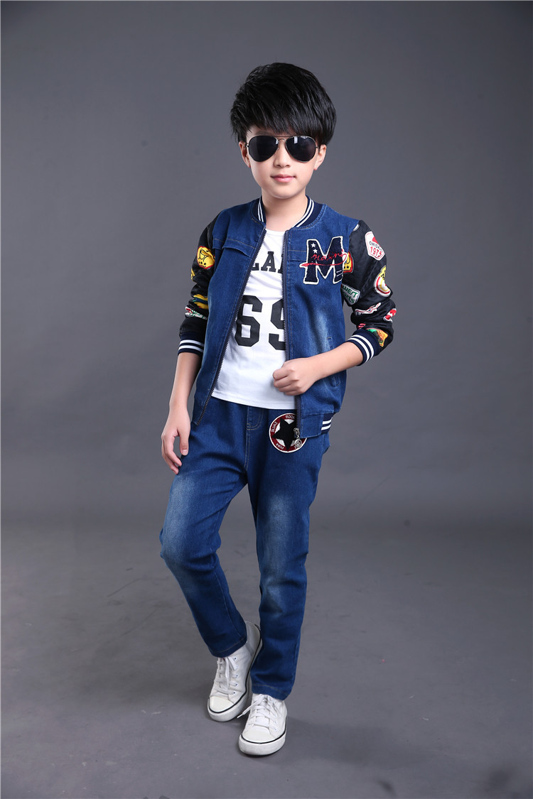 цены Spring fall Style boys and Girls letter children clothing set Denim jacket + Jean pant +t-shirt 3 piece set For Kids Wear HB2025