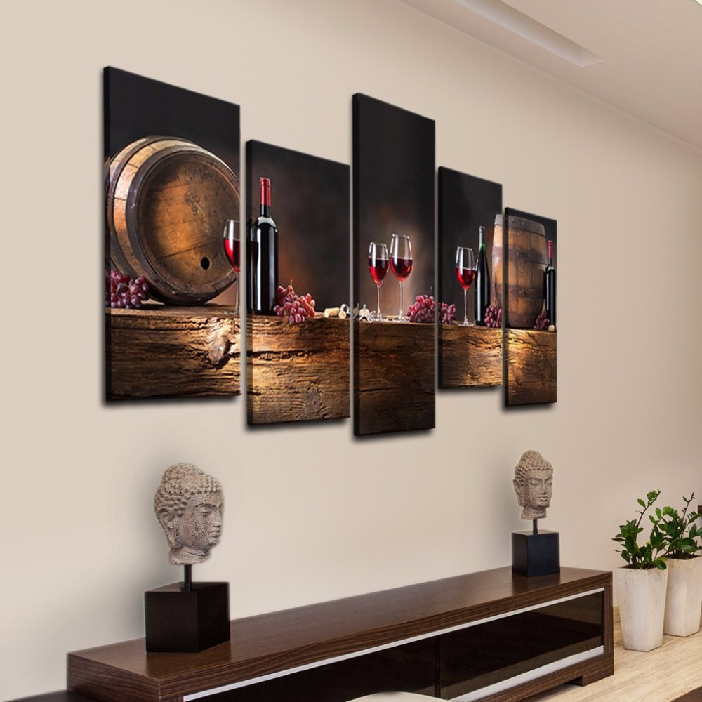 wine_bottles_Depositphotos_40410125_original_aeae7f41-3d64-4e01-abf7-938b5d3b329f_1024x1024
