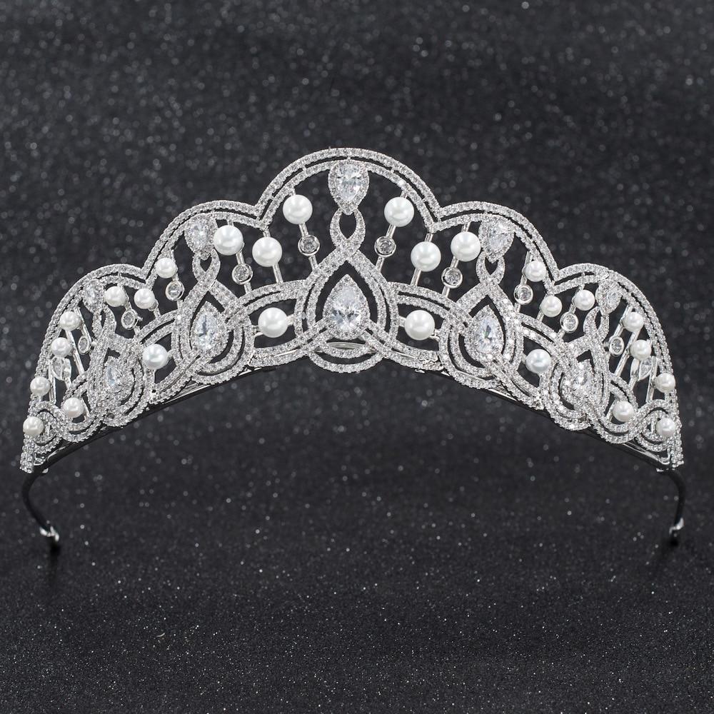 Takı ve Aksesuarları'ten Saç Takısı'de 2019 Yeni Kristaller CZ kübik zirkon Düğün Gelin İnciler Tiara Diadem Taç Kadınlar Balo Saç Takı Aksesuarları CH10257'da  Grup 1
