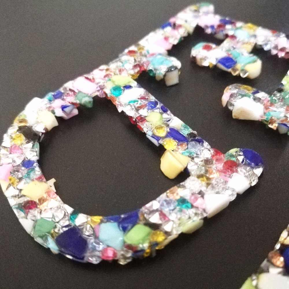 1 ADET 26 Mektuplar Düzeltme suni elmas demir Yama Için Giyim Çanta Ayakkabı Rozeti Kristaller Renkli Taşlar Aplike Yamalar