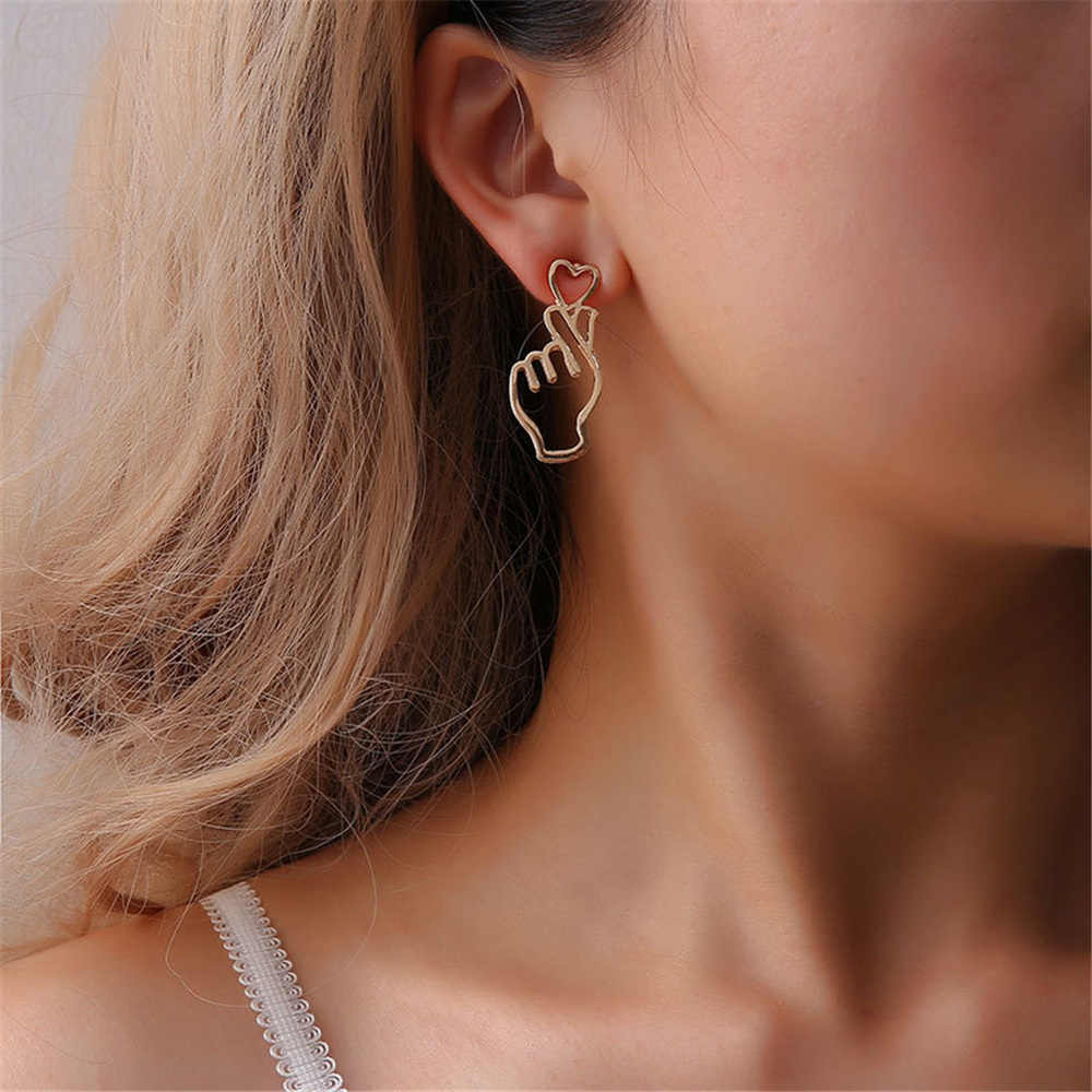 New 2018 Heart Dangle Earrings For Women Heart Earrings Gold Silver Black Earrings Jewelery