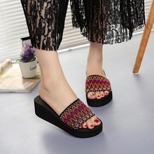 2020 сандалии женщин летом пляж клинья сандалии открытый флип-флоп пляжная обувь высокое качество хомбре де платформа женщин тапочки