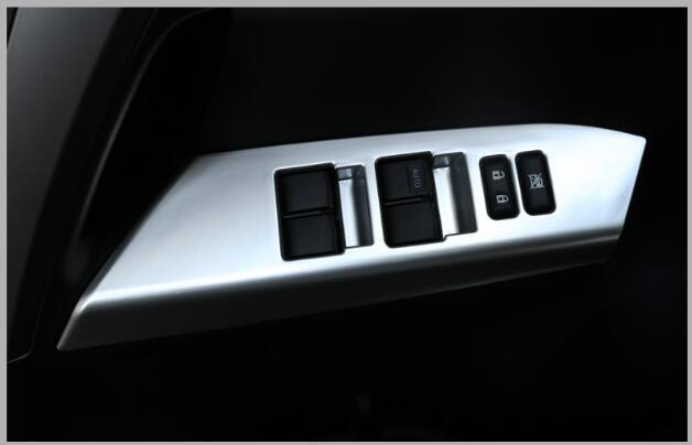 Étoile supérieure ABS chrome 4 pièces porte de voiture à l'intérieur de la couverture de décoration d'accoudoir pour Toyota RAV4 2014-2018