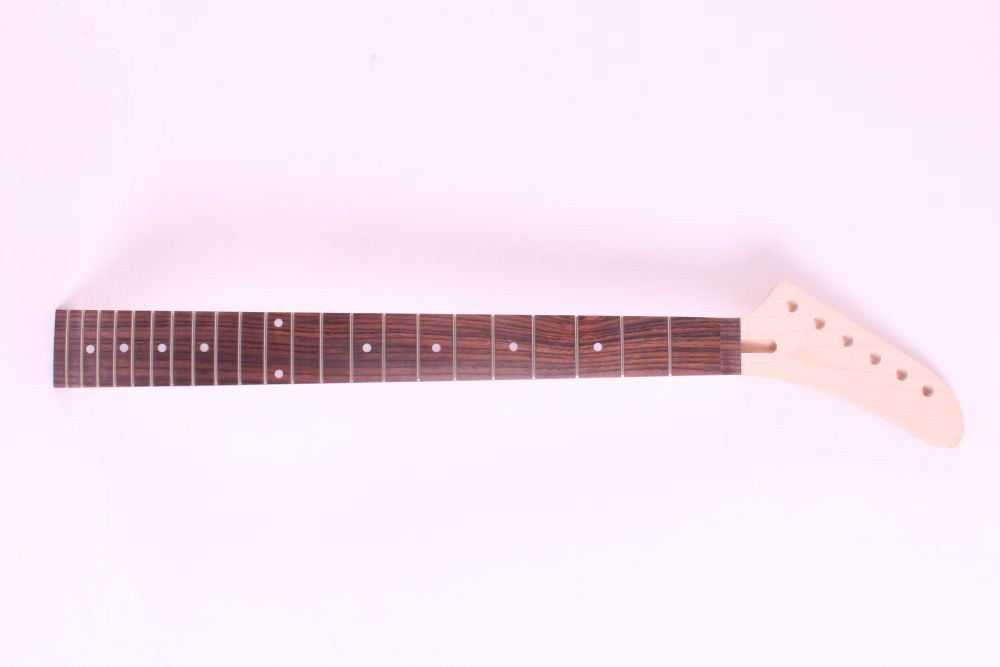 1 pcs   unfinished electric guitar neck maple made and rose  fingerboard Bolt on 22 fret one left unfinished electric bass guitar neck solid wood 22 fret new rosewood fingerboard maple made