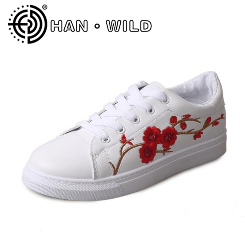 Women Flats High Quality Women Casual Shoes Plum Embroidery Ladies Flats Women Floral Shoes Trainers Female Zapatillas Mujer missufe flower embroidery jeans women high waist light blue female pencil pants 2017 ladies capris casual bottom women s jeans