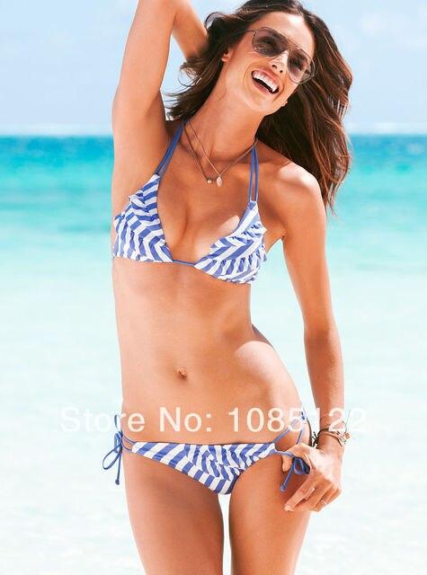 bikini-girls-strip-aretha-franklin-busty