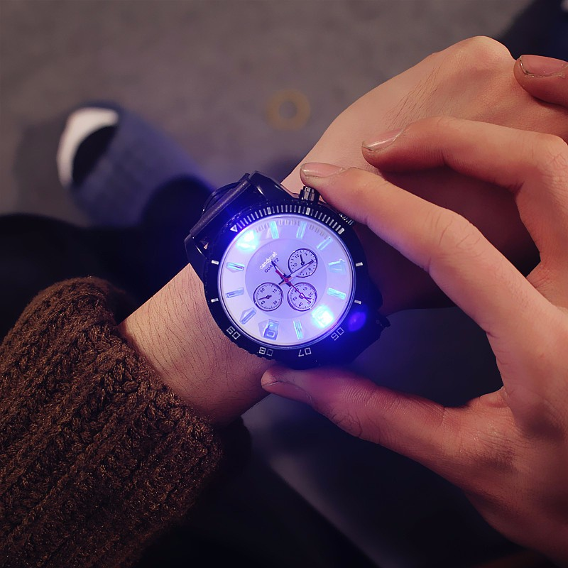 Man Watch 2018 Fashion 7 Color Led Lights Glow Watches Mens Watches Fashion Sports Silicone Watch Student Watch reloj hombre