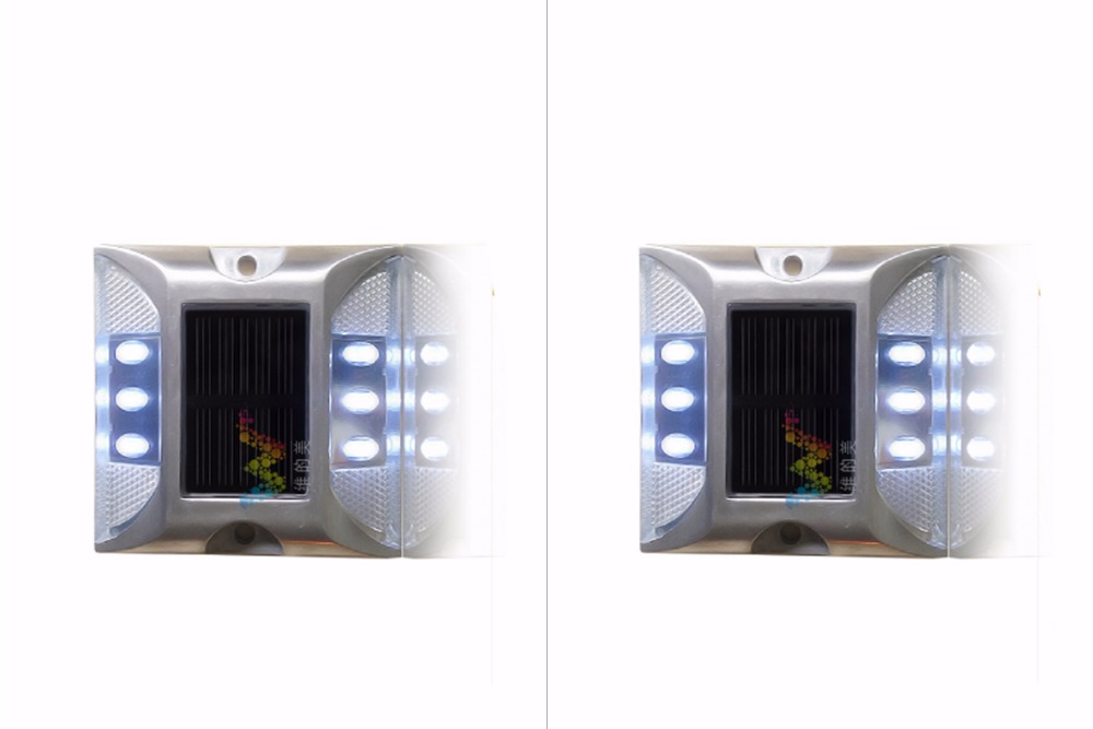 2X Solar Powered LED Road Stud White Road Flashing Light One Pack