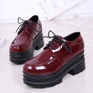 Image 5 - LUCYEVER נשים גבוהה עקבים נעלי פלטפורמת טריזים נקבה משאבות שחור עור מפוצל תחרה עד עבה תחתון עגול הבוהן נעליים יומיומיות