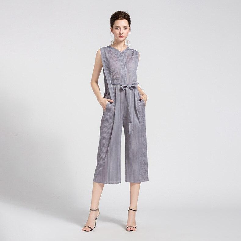 LANMREM 2019 New Summer Fashion Women Clothes Round Neck Sleeveless Pleated High Waist Wide Legs Jumpsuit WG54901 OL