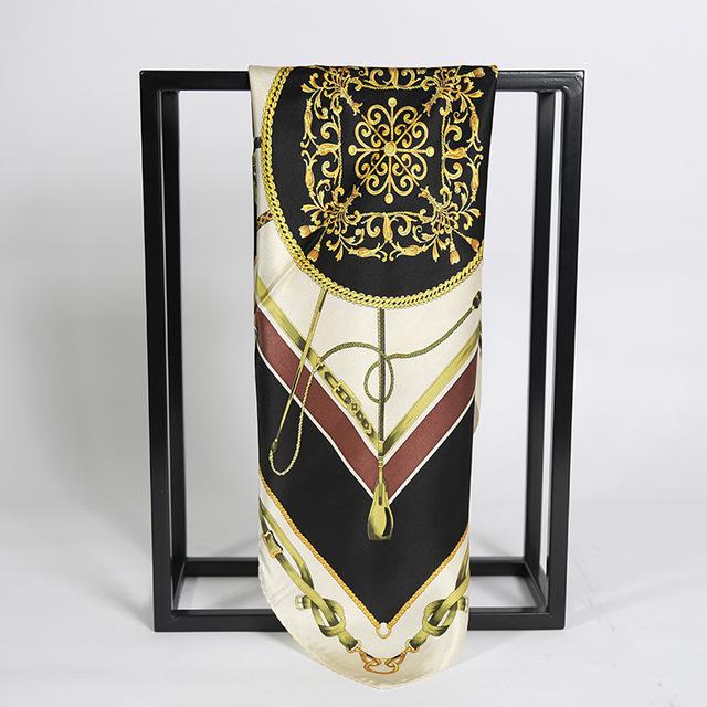 3 Colores 53*53 CM de la Cadena de Cuero Impreso pequeña bufanda cuadrada de seda 2017 NUEVO de Las Mujeres de Seda pequeña Plaza bufandas 100% de la bufanda de Seda