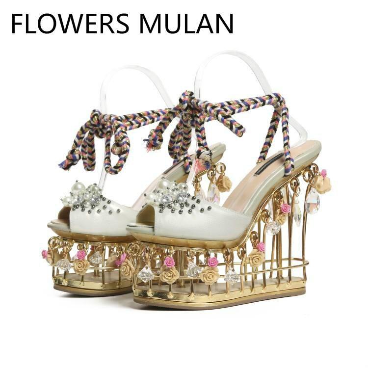 Роскошные брендовые босоножки; коллекция 2019 года; женские туфли гладиаторы с открытым носком и ремешком на лодыжке; цвет золотистый, металл