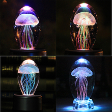 Creative Colorful Jellyfish Crystal Paperweight Crafts LED Glass Crystal Figurines Birthday Gift Feng Shui Home Decor Ornament цены