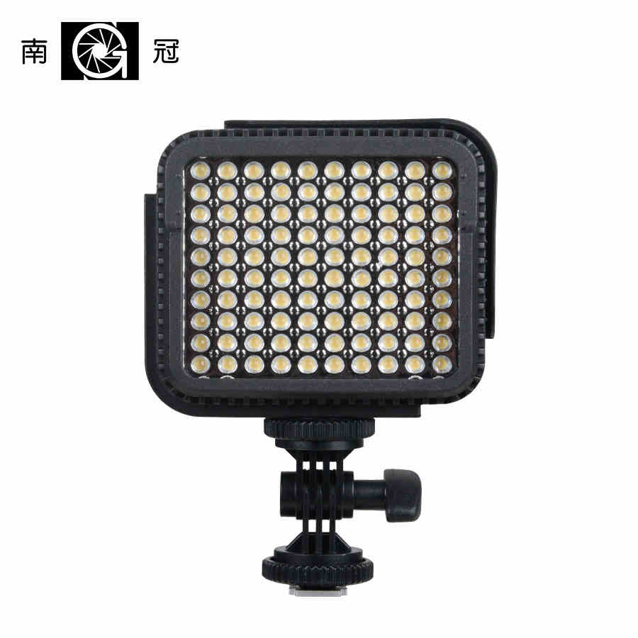 NanGuang CN-LUX1000 LED on camera light video light for camcorder DV camera LED outdoor photography LED On Camera Light CD50 nanguang cn r640 cn r640 photography video studio 640 led continuous ring light 5600k day lighting led video light with tripod