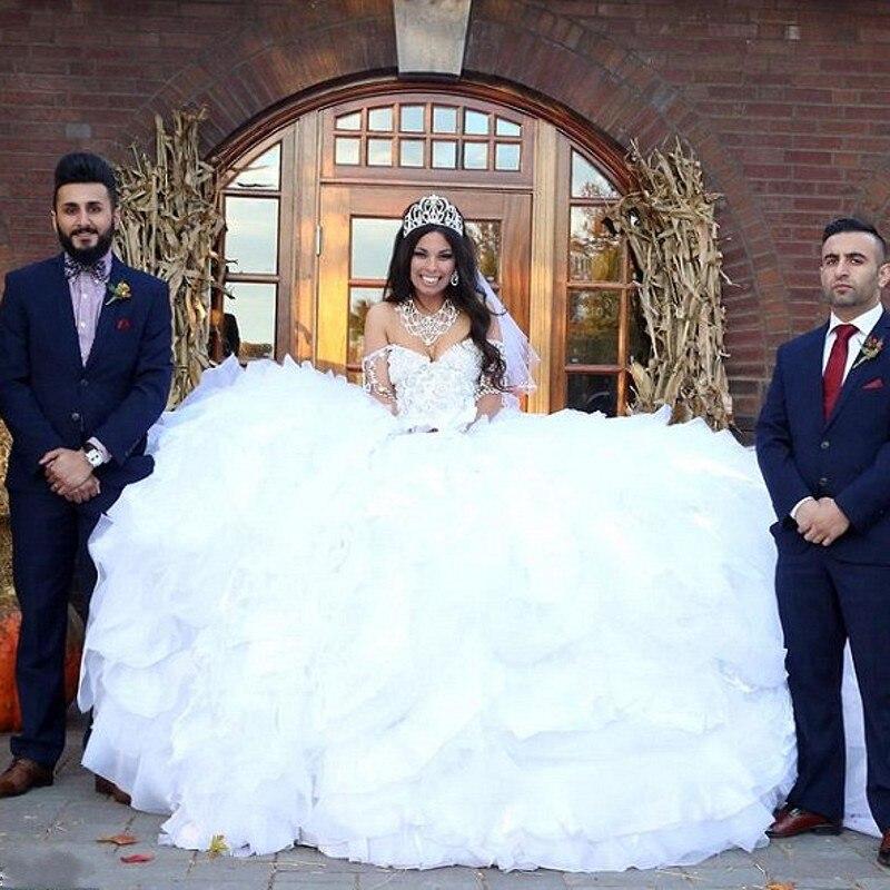 Жирная в свадебном платье