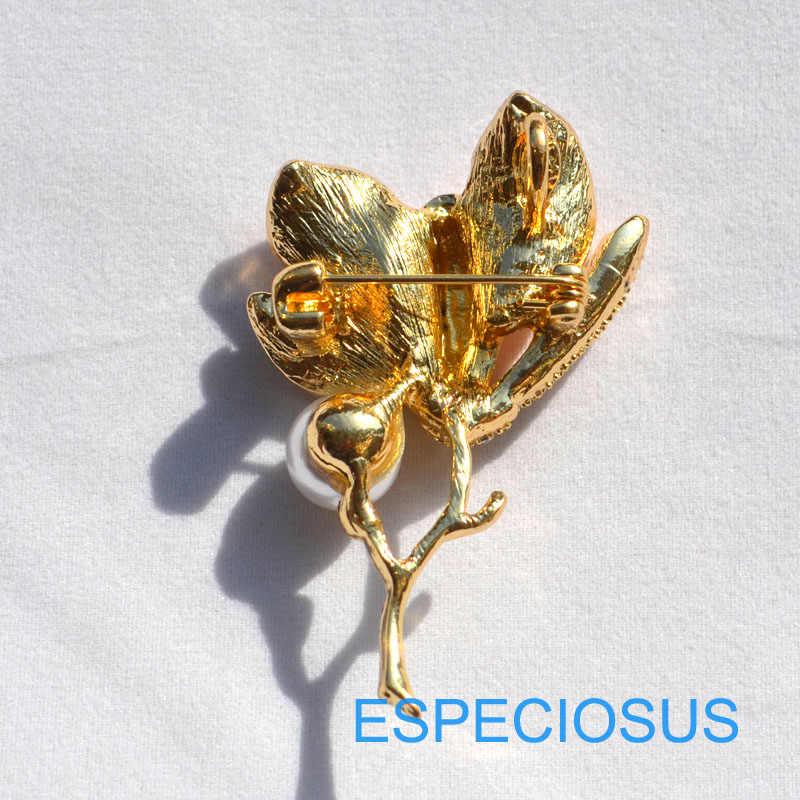 Elegante Spille Dei Monili Del Rhinestone Del Brooch Del Fiore di Giglio Dipinto di Colore Dell'oro Della Perla Donne Giraffa Del Seno Spille Spille k della signora di Colore capi di abbigliamento