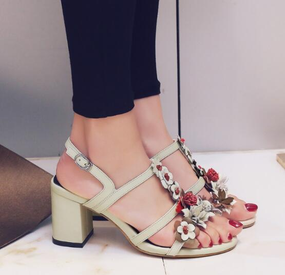 Hot selling leather thick heels sandal for woman 2017 summer open toe t-strap mixed colors flower high heel shoes cutouts shoes the very best of sandra cd