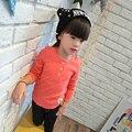 Alta calidad 2016 primavera otoño chicas Coreanas hilo oído de madera del color del caramelo de algodón de La Camiseta que basa la camisa caliente de la venta
