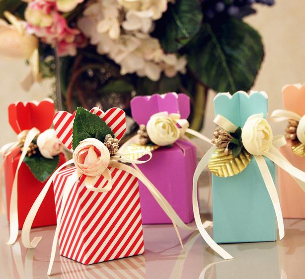 60pcs Beautiful Tiffany Blue Vase Shape Sweet Wedding Candy Box With White PE Rose Flower Birthday Party Red Pink Gift Box