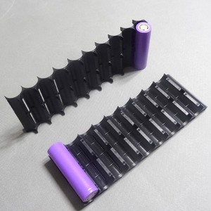 Image 5 - 4 Teile/los 18650 batteriehalter Zylindrischen zelle 2*10 kunststoff halter 18650 lithium ionen batterie bracket kunststoff fall Großhandel