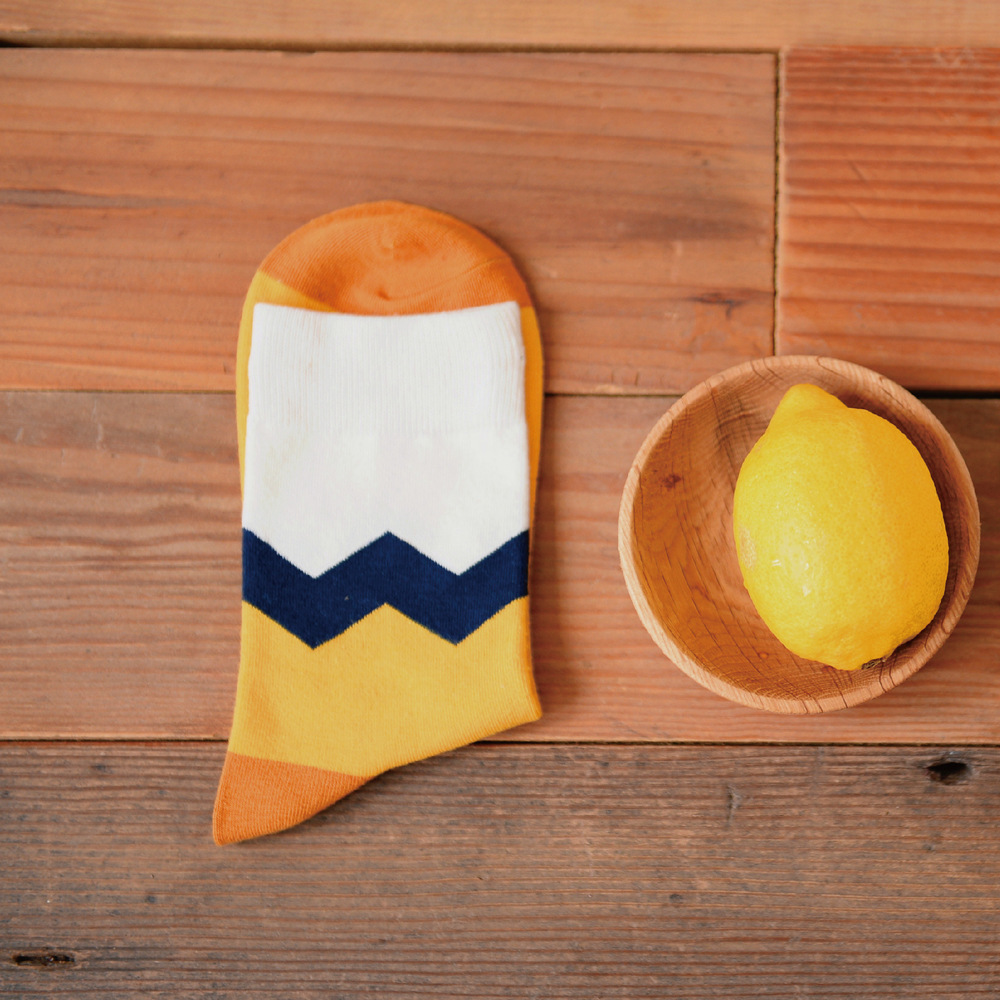 High Quality Brand Colored Men Cotton Crew Socks Of Contrast Color Harajuku Style Novelty Designer Skate Yellow White