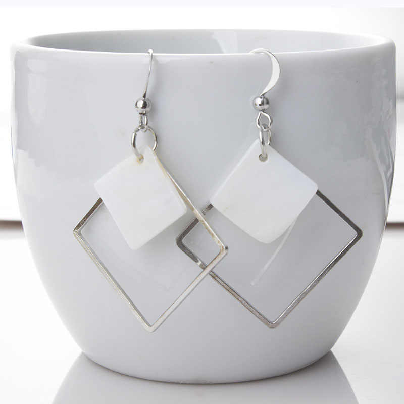 Punk White Shell Hollow Square Drop Earrings For Women Fashion Korean Minimalism Geometric Dangle Brincos Jewelry Gift EB960