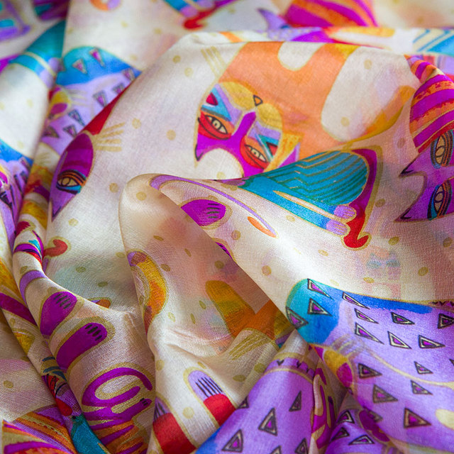 Silky Pinky Catty Foulard | Lightweight Scarves