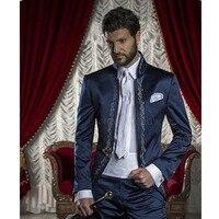 New Made Ricamo Smoking Dello Sposo Mandarin Risvolto uomo Vestito Blu Navy GroomsmanBest Uomo WeddingProm Suits (Jacket + Pants + Tie)