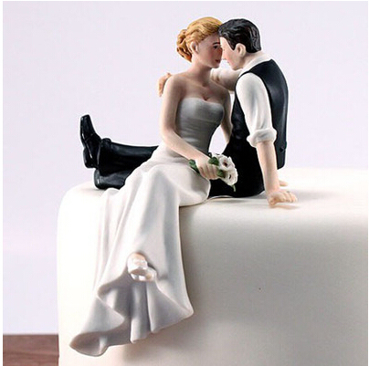 Romantic Sweet Embrace Couple Wedding Cake Figurines Wedding Cake     Romantic Sweet Embrace Couple Wedding Cake Figurines Wedding Cake  Decorations Funny Cake Toppers