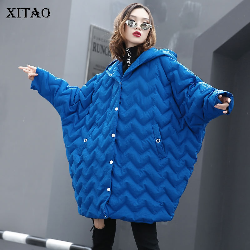 [XITAO] 2018 Winter Korea Fashion New Women Batwing Sleeve Hooded Colloar Solid Color Single Breasted Full Sleeve   Parka   ZLL2424