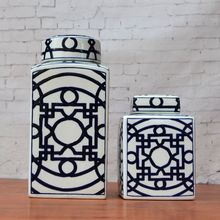 Tao Caicai, the new Chinese blue and white porcelain jar with a lid Home Furnishing square living room decoration Housing soft d