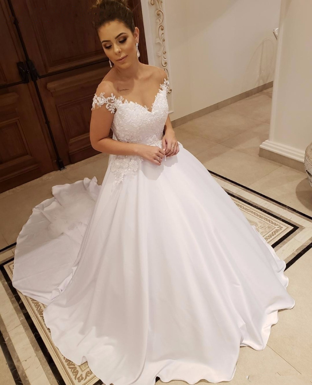 Robe de soiree Custom Cap Sleeves Lace Wedding Dress 2019 with Pearls Appliques Court Train Satin