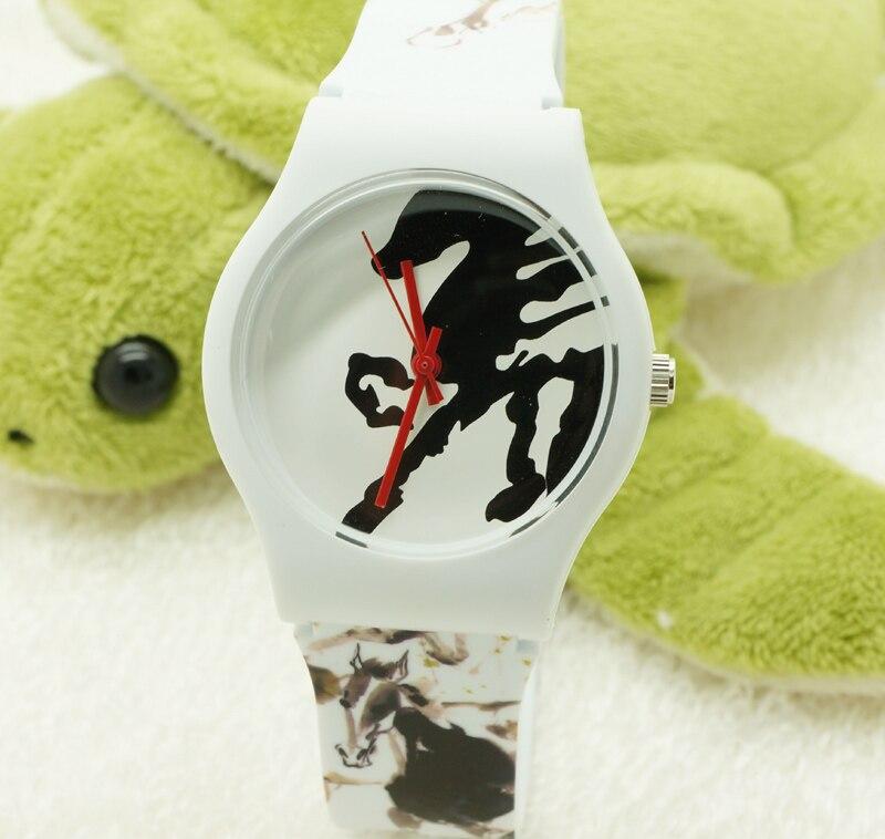 Willis Quartz Watch Women Brand Horse Pattern Rubber Strap Watch Water Resistant Wrist Watch