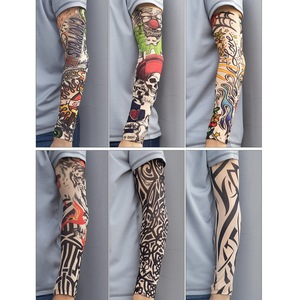Image 5 - Fałszywe tymczasowe rękawy tatuaże tatuaże pełne długie poślizg na tatuaż na ramię zestaw tulei mężczyzn elastyczny nylon rękawice tatuaże czarny projekt czaszki
