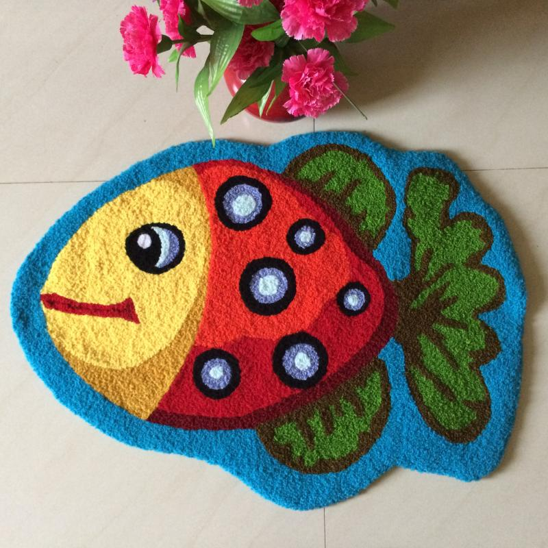 WINLIFE Cute Fish Rug Blue Handmade Bath Mat Animal Rugs for Kids Washable Non-Skid Floor Rugs for Bedroom Doormats 2x3