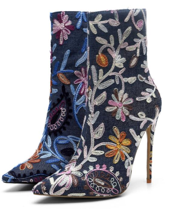 Sestito New 2019 Girls Fashion Embroidery High Heels Ankle Boots Ladies Pointed Toe Dress Shoes Woman Side Zipper Short BootsSestito New 2019 Girls Fashion Embroidery High Heels Ankle Boots Ladies Pointed Toe Dress Shoes Woman Side Zipper Short Boots