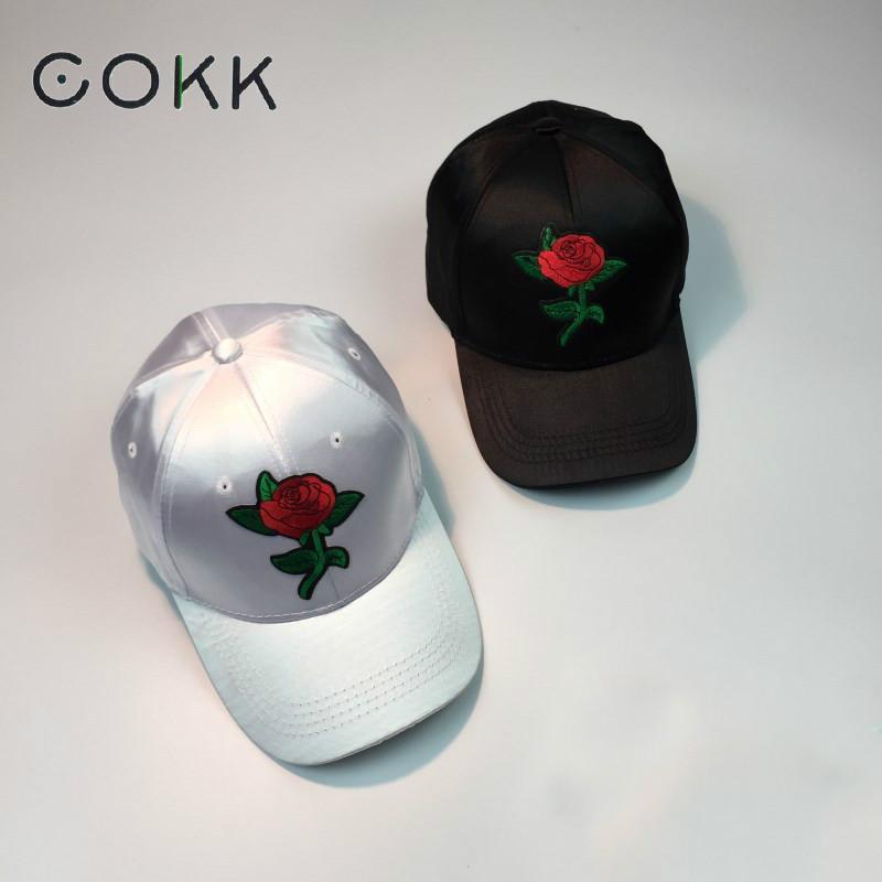 Prix pour COKK Femmes D'été Cap Rouge Rose Fleur Broderie Soie Casquette de baseball femelle snapback chapeaux pour hommes unisexe papa chapeau chapeau de soleil mâle Club