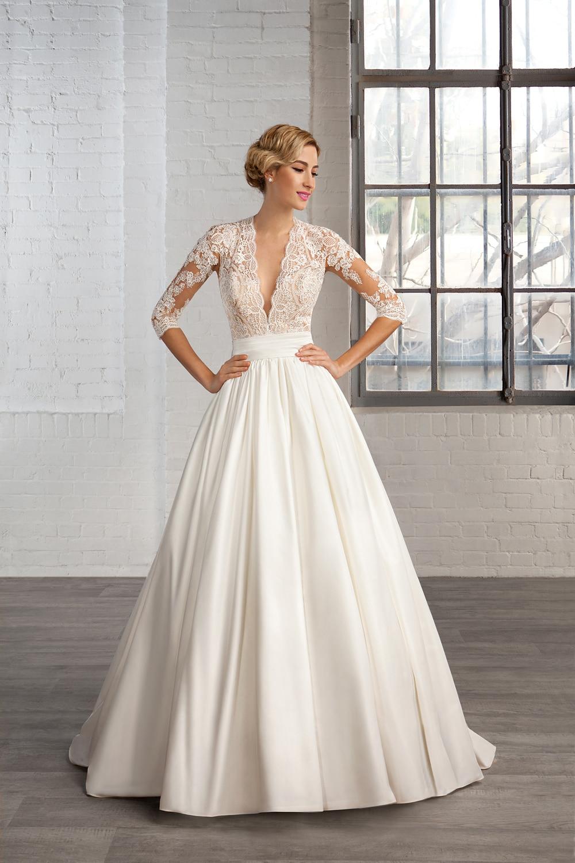 beige wedding dress Robe mari e beige http mariageenvogue com 08 Nerd Wedding DressWedding