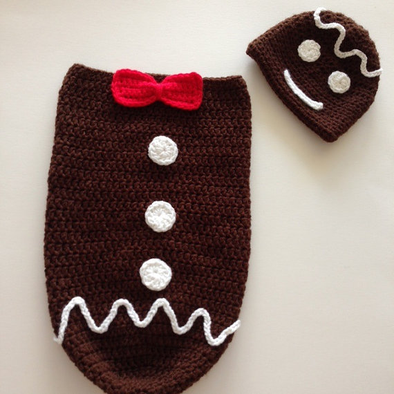 цена Hand crocheted Gingerbread man cocoon and hat prop 0-3 months