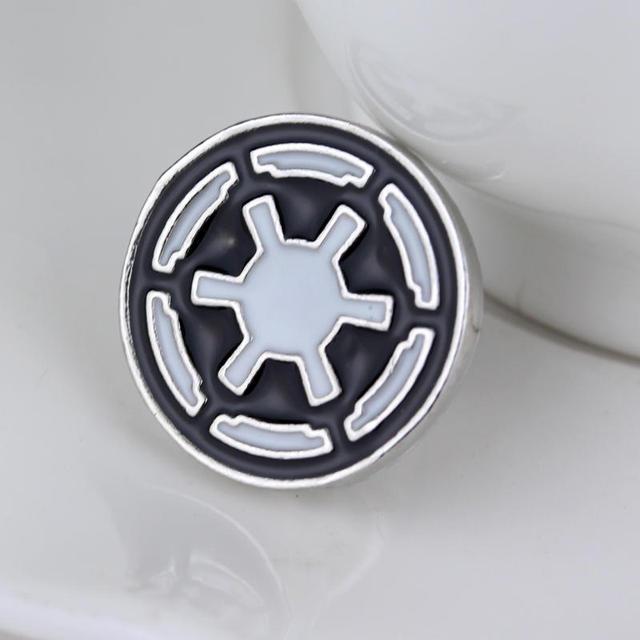Star Wars Round Brooch Pin