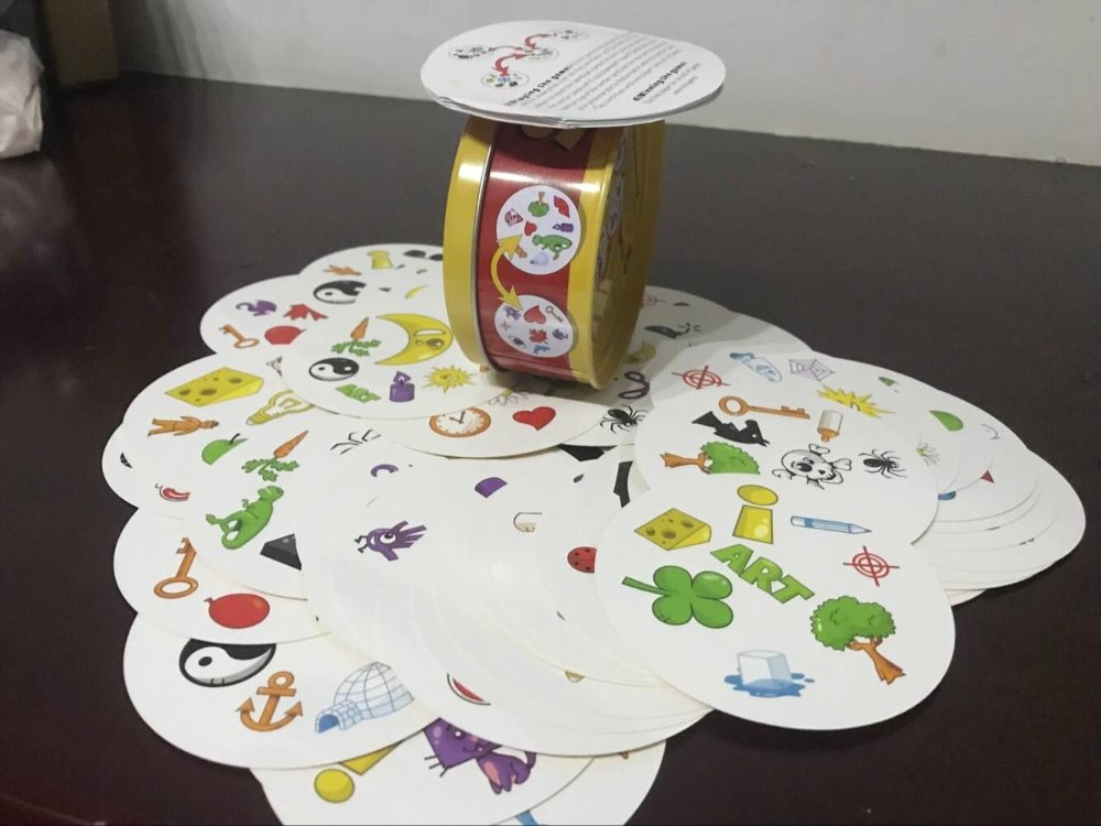 2018 new Paper Dobble It Game Family Party Entertainment Spot Board Game English Card Game it has metal box 55 cards/set цена 2017