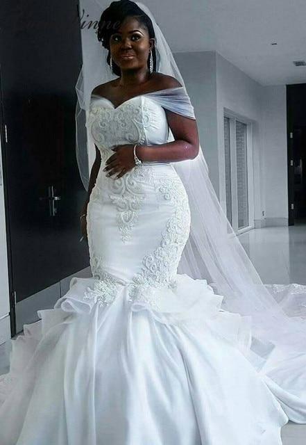 エレガントなサテンヴィンテージ人魚のウェディングドレス 2020 ロングラップ純白のレースの刺繍アフリカマーメイドウェディングドレス W0216