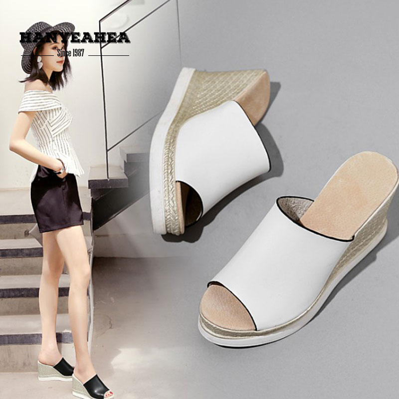 Brand New Summer Slippers Casual Fashionable Shoes Lady Classic Personality Platform