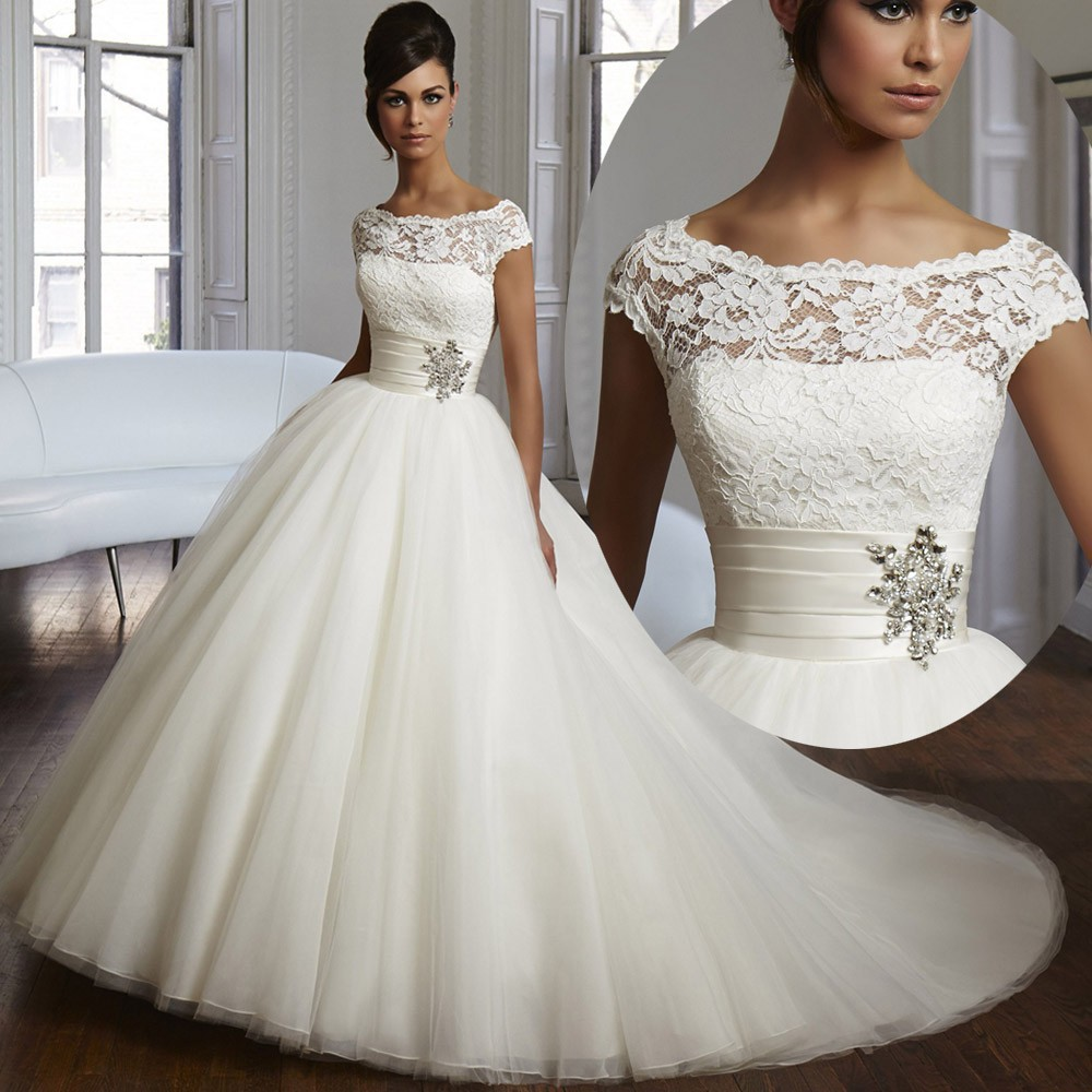 Robe de mariee princesse manche courte
