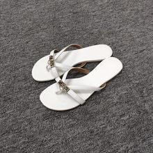 0f4c1c2c142 Zapatos de mujer de cuero genuino de verano 2019 nuevo zapatillas fuera  usando sandalias pies sandalias de playa de vacaciones z.