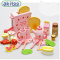 New Arrival Strawberry Toaster Infants Young Children Wooden Play House Wooden Kitchen Honestly See Toys Kitchen Utensils Toys