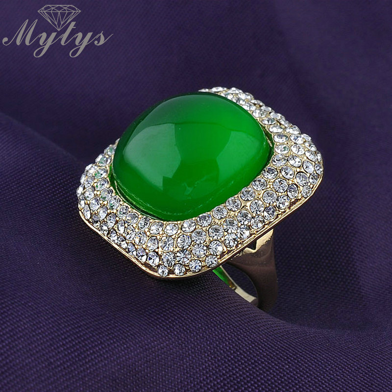 Mytys Green Stone Rings for Women High Quality Wholesale Price Jewelry Limited In Stock Sale Fashion Antique Ring R624