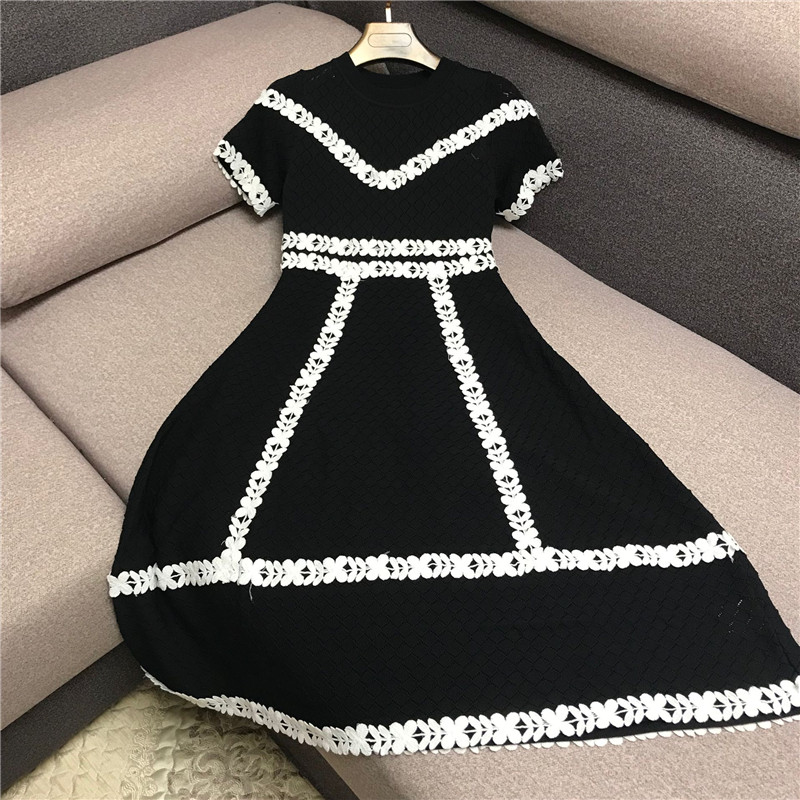 Luxury Designer Brand Knitted Dress For Women Casual Three-dimensional Lace Hollow Out Embroidered Flower Knitted Dress