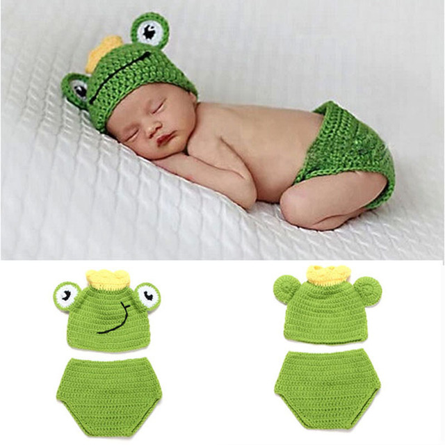 c36eb9d14 US $3.33 49% OFF Baby Frog Hat & Diaper Cover Set Boy Girl Newborn Crochet  Knit Frog Prince Beanies Photo Props Outfit Halloween H093-in Hats & Caps  ...