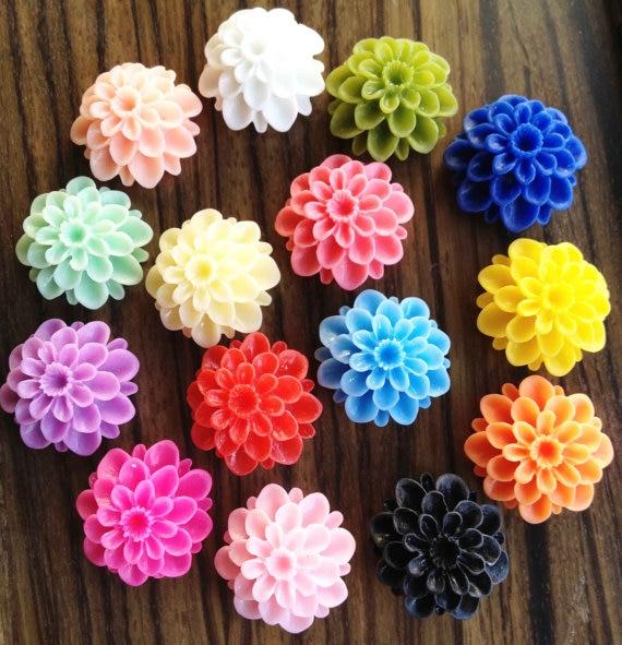 60pcs Chrysanthemum Flowers - Mixed Colors Of Beautiful Resin Rose Bobby Pin Charm 21mm
